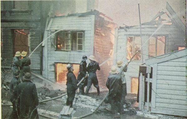 De idylliske gamle trehusene på Nordnes var god brennved.