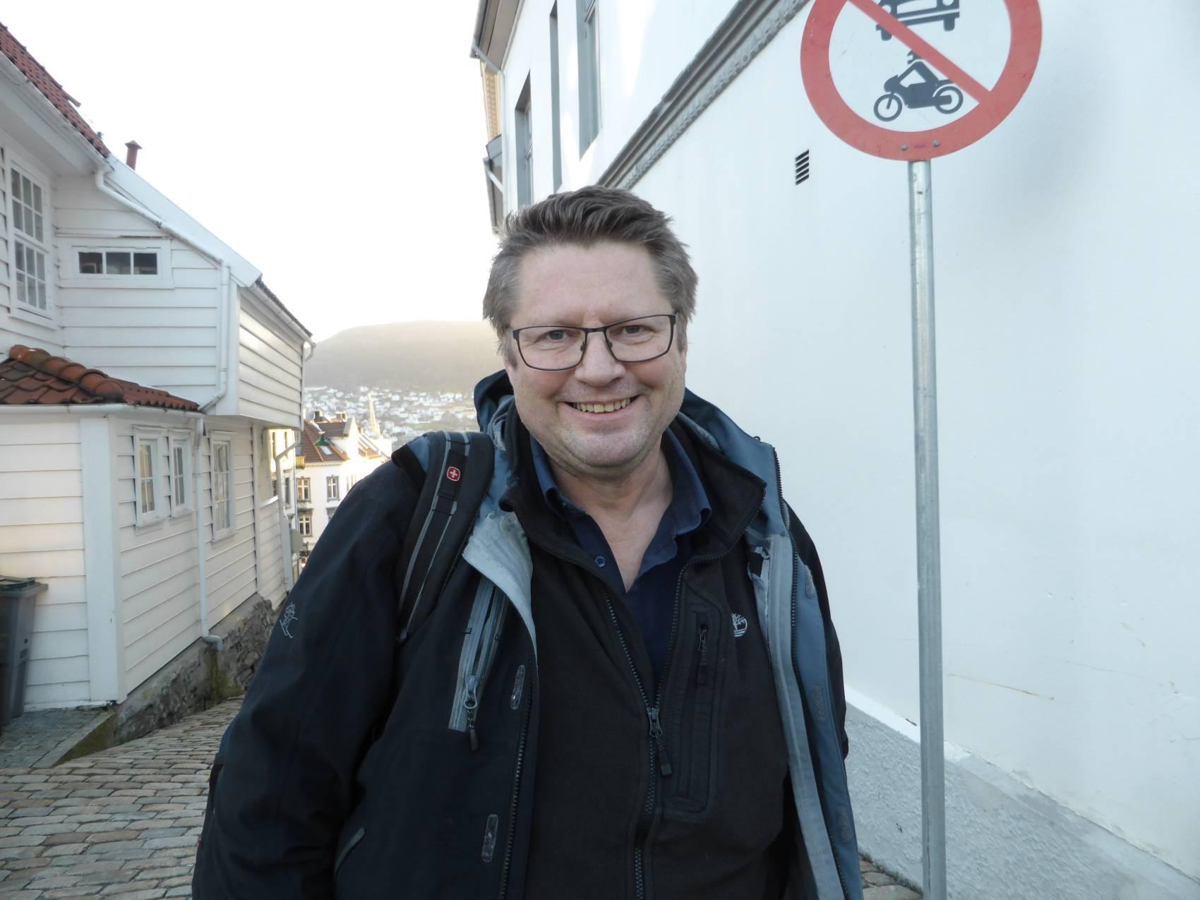 Assisterande direktør på CMI, Arne Strand, bur på Klosteret.