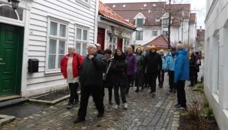 Vandring blant historiske gater og hus