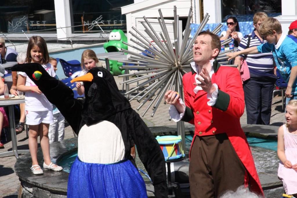 Søndag 14. og 21. juni kan du få med deg Circus Aquarius på Akvariet. Foto: Akvariet