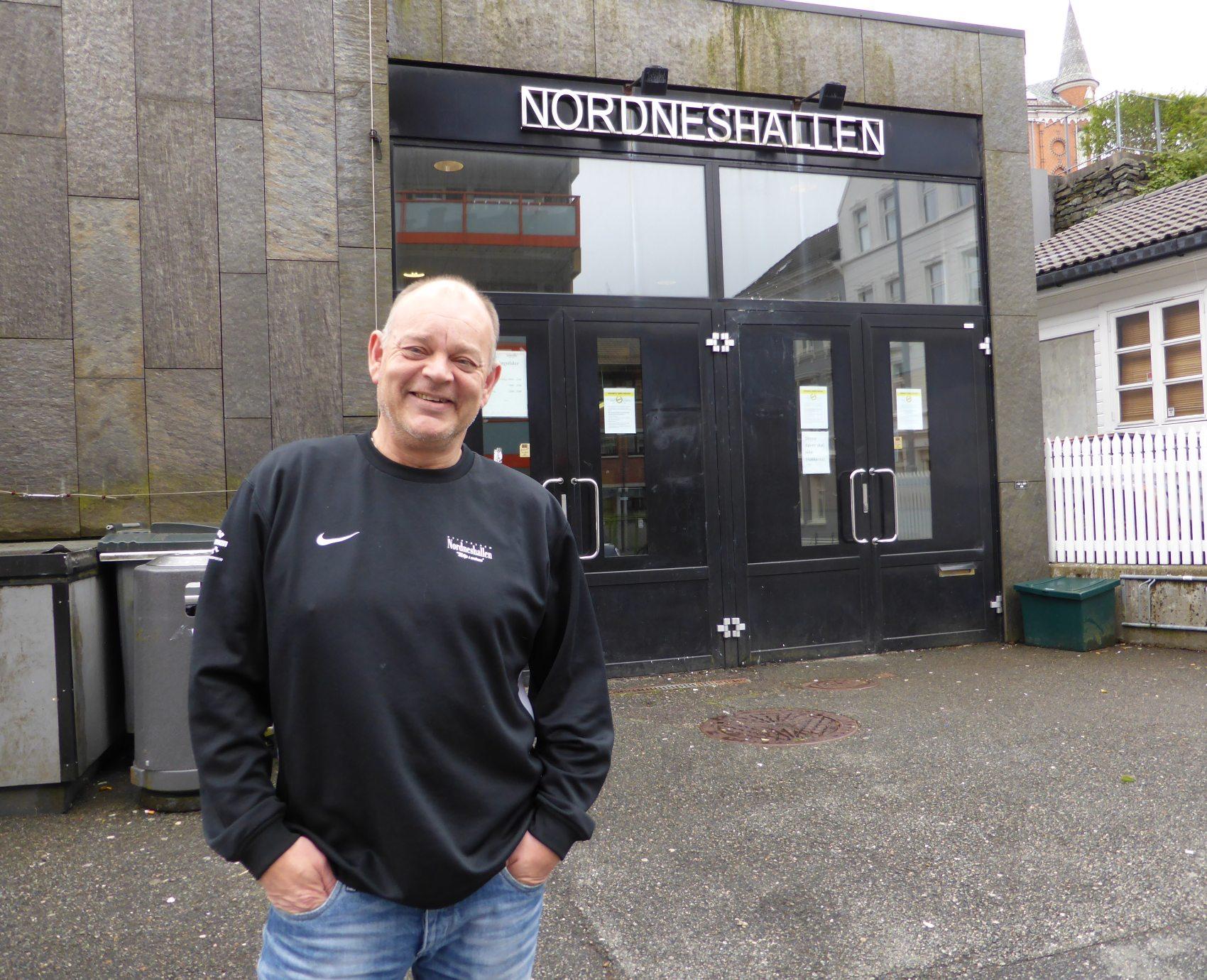 Festsjef Ronny Knutsvik er klar til å ta i mot deg til Nordnes idrettslags jubileumsfest den 13. juni. Foto: Eva Johansen