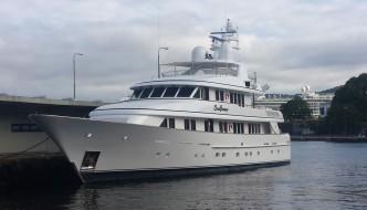 Lekker yacht på Munkebryggen