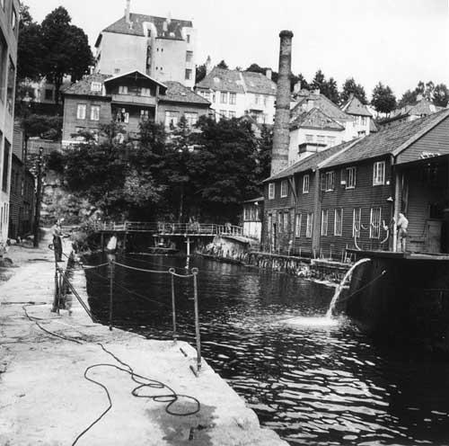 Her er fra selve Dikkedokken i 1957. Foto:  Gustav Brosing/ Uib billedsamlingen