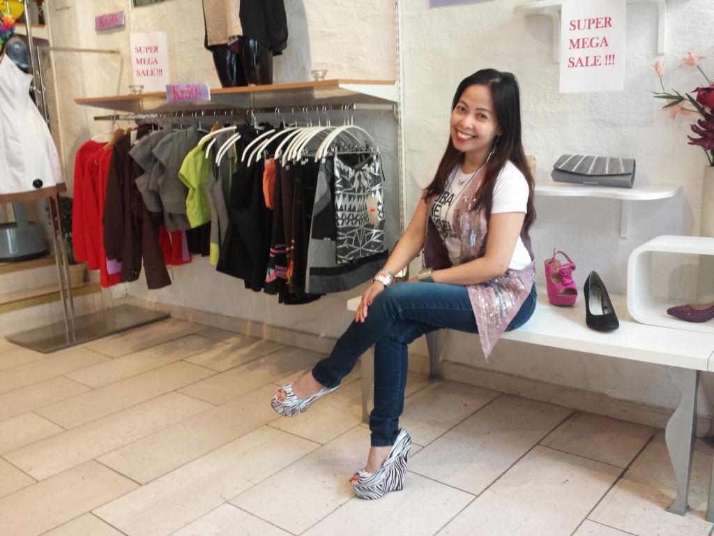 Gina Jay Instefjord har drevet Diva-butikken i Gågaten i to år. Foto: Eva Johansen