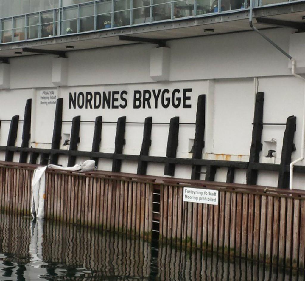 Her ved bryggen, som kalles Nordnes brygge,  utenfor C. Sundtsgate 57, skal mannen ha falt i sjøen. (Arkivfoto).