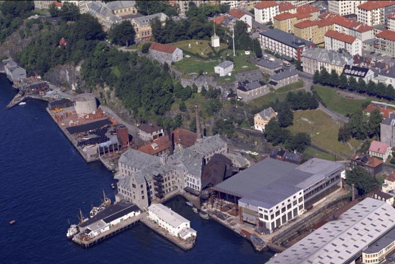 1970_Widerøs Flyveselskap_UIB