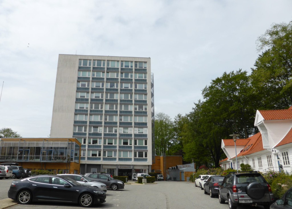 Havforskningsinstututtet i høyblokken ytterst på Nordnes. Foto: Eva Johansen