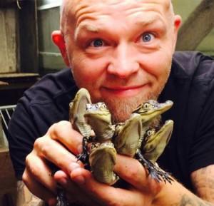 Remi Andersen skal hente nye alligatorbabyer til Akvariet. Foto: Akvariet