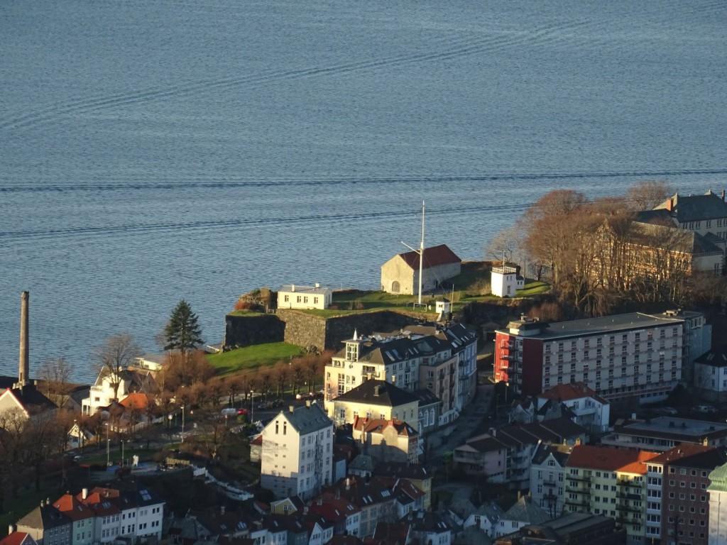 Tidligere var det målestasjon her på Fredriksberg Festning. Foto: Eva Johansen