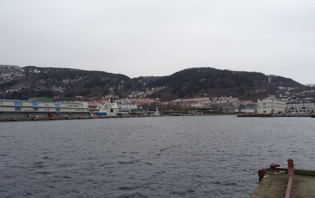 Slik har du neppe sett Vågen før, ikke et skip er å se søndag 10. januar. Foto: Eva Johansen