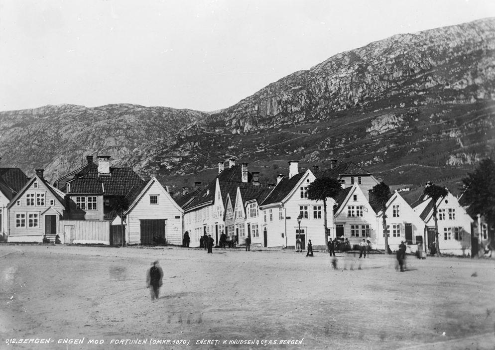 Her ser vi mot Fortunen fra Engen i 1870. Foto: K. Knudsen