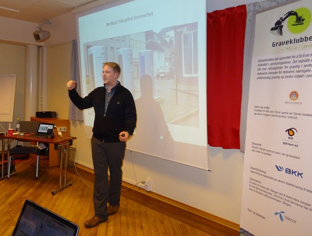 Prosjektleder Ørjan Mjøs er også formell byggherre av arbeidene i Strandgaten. Foto: Eva Johansen