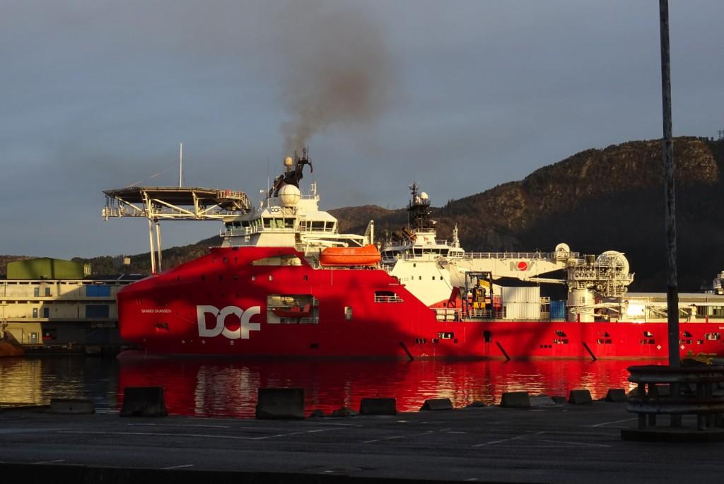 Hva som kan gjøres med forurensing fra skipene i havnen har lenge vært et diskusjonstema i Bergen. Foto: Eva Johansen