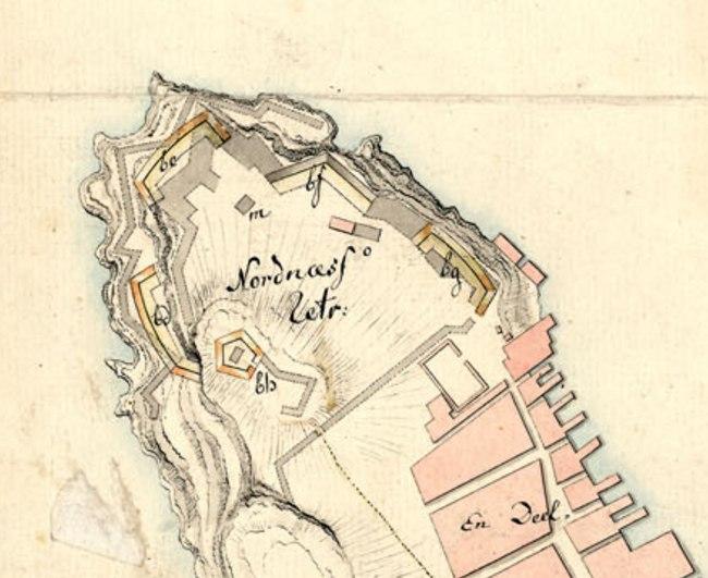 Nordnæsparken i år 1800. Vi ser at det er høydeforskjell fra Katten og ned mot Nordnespynten. Kart: Kartverket