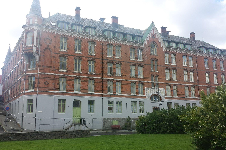 Sjøfarendes aldershjem ligger i Haugeveien 35a og har 90 leiligheter til utleie. Foto: Nordnesrepublikken