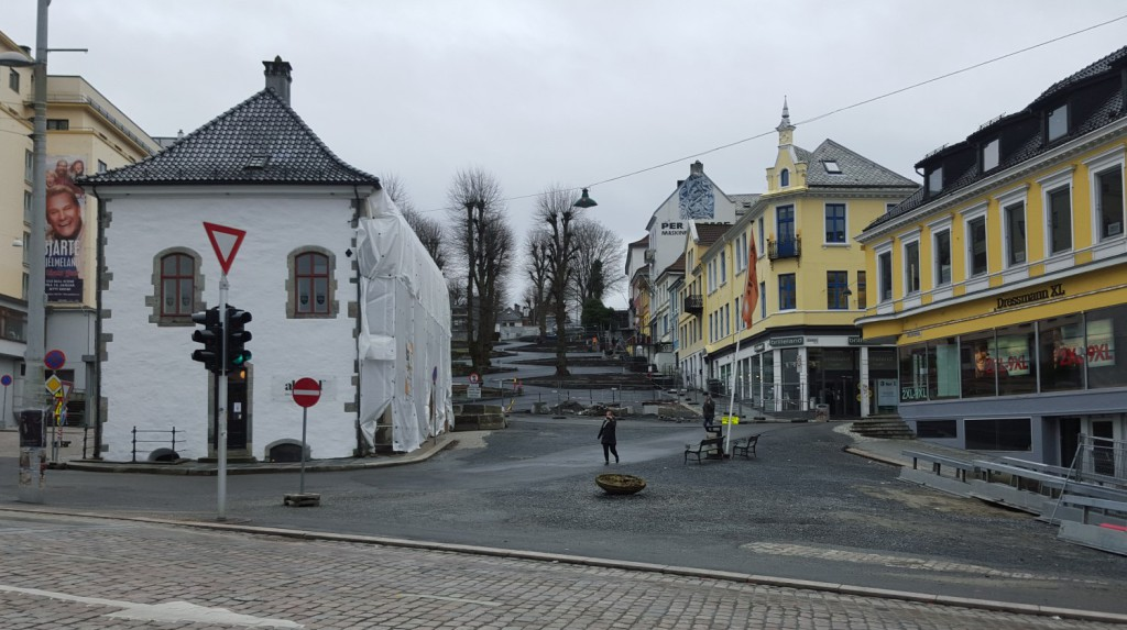 Slik har plassen lagt siden før jul. Nå skal den oppgraderes. Foto: Eva Johansen