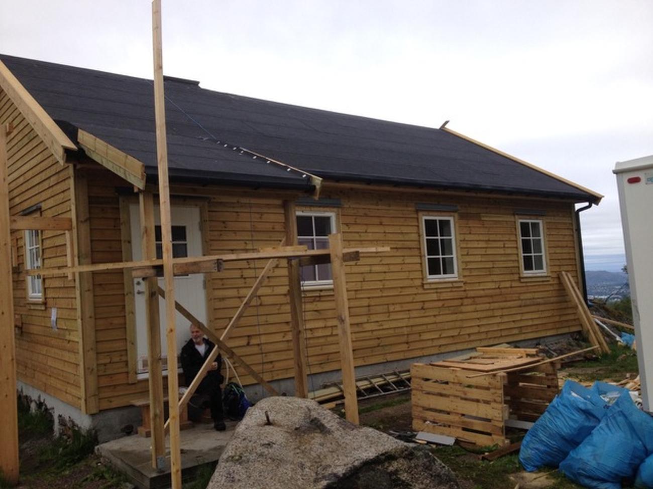 Viggo-hytten er nesten helt ferdig etter gjenoppbyggingen. Foto: Viggo