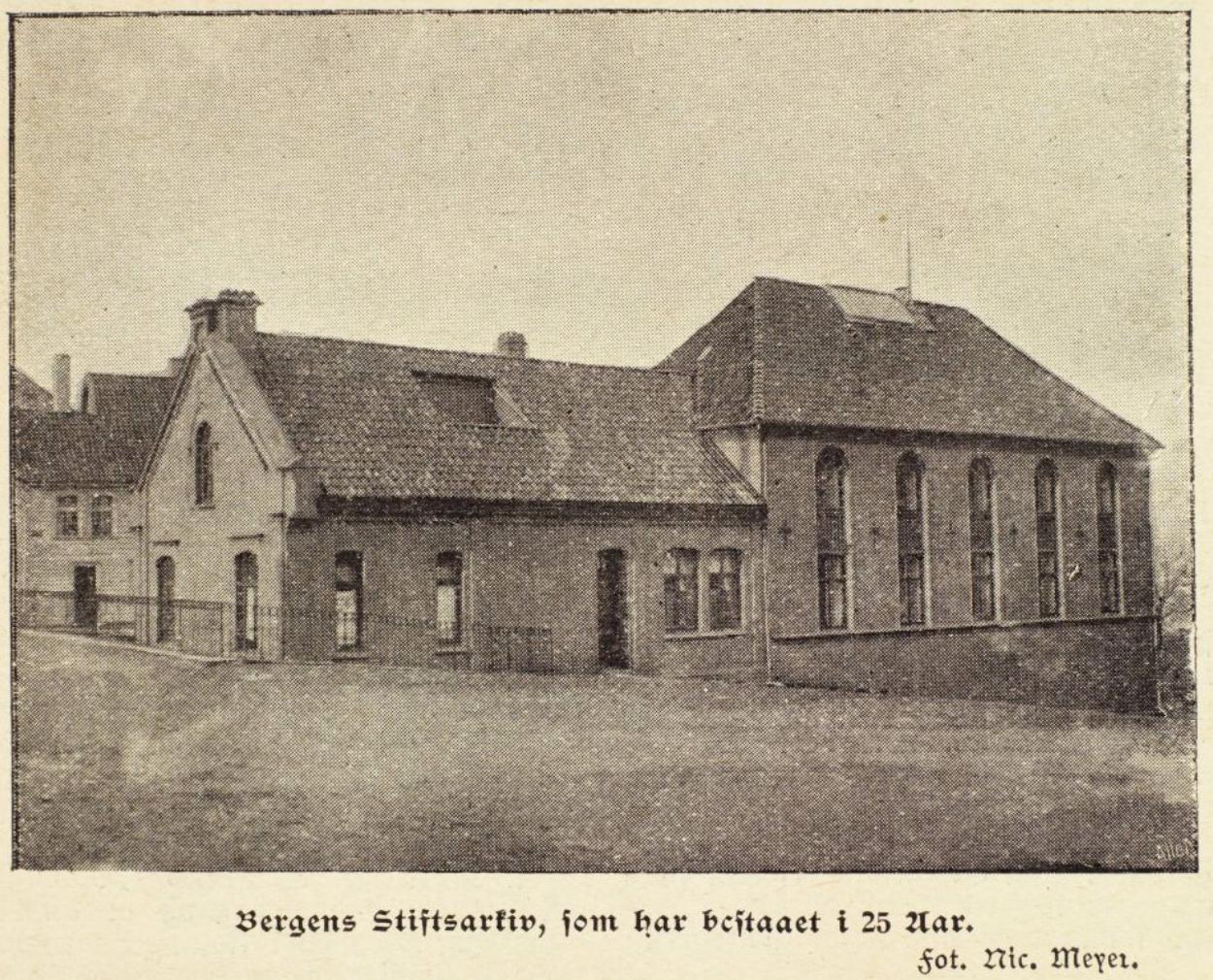 Bergens Stiftsarkiv i 1920. Foto: Uib billedsamlingen
